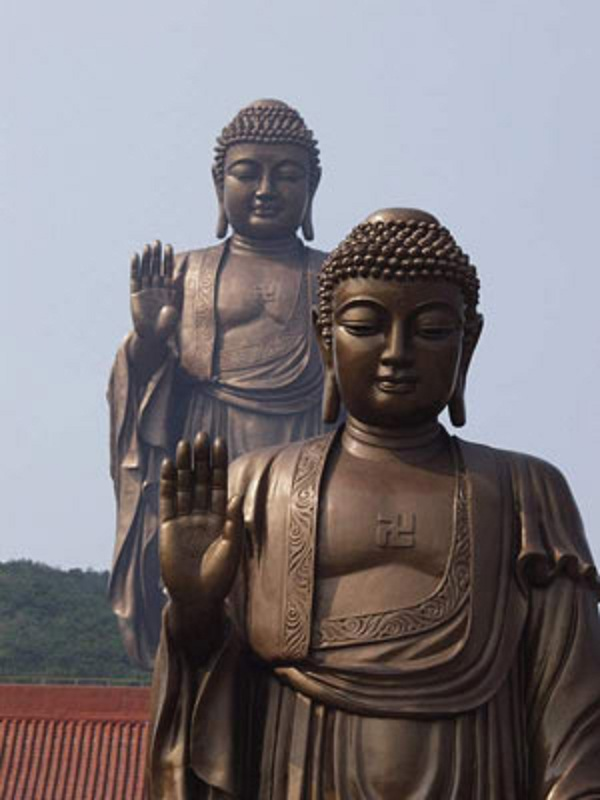 a comparison of christians and buddhists essay Buddhism and christianity - compare & contrast: the buddhist religion is unique in itself were buddhists do not worship any gods or god - buddha (siddhartha gautama) never claimed to be divine, and buddhists reject the notion of any supernatural power.